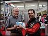Don Rosa riceve la tessera Anonima Fumetti da Gianfranco Goria - photo (c) Goria